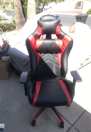 Red and black gaming chair for Sale in Mesa, AZ