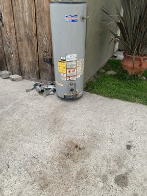 Free 40 gallon water heater it works. Got new tankless. In my house for Sale in San Diego, CA