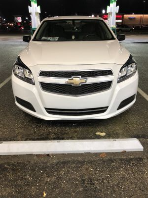 2013 Chevy Malibu Clean title for Sale in Waltham, MA