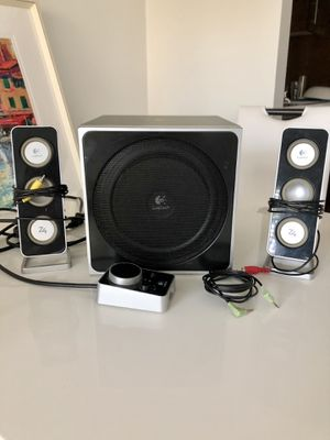 Logitech Z4 speakers with subwoofer for Sale in Los Angeles, CA