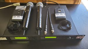 Shure Dual professional wireless microphones system, 2 mics, 2 wireless lapel/lavaier body pack for Sale in Phillips Ranch, CA
