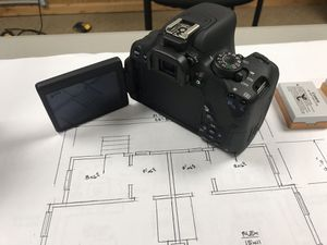 Canon EOS Rebel T5i DSLR for Sale in Indianapolis, IN