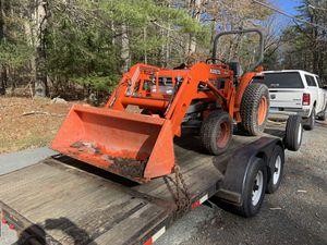 Kubota L2900 for Sale in Durham, CT
