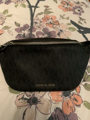 Michael kors fanny pack for Sale in North Olmsted, OH