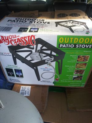 FOR SALE OUTDOOR PATIO STOVE AND 30QT TURKEY FRYER WITH APROPANE EXCHANGE ALL THREE TOGETHER FOR $100 for Sale in Sudley Springs, VA
