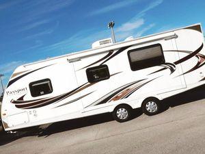 One Owner Price💲1000 Keystone Passport Ultralite Travel Trailer 2012 for Sale in Phoenix, AZ