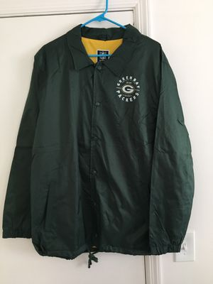 NWT Mens Green Bay Packers Button Windbreaker for Sale in Tampa, FL