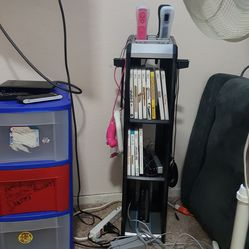 Wii console,games, and controllers for Sale in Leavenworth,  WA