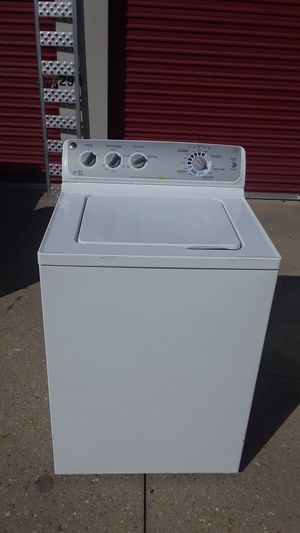GE high efficiency washer. for Sale in Fairfield, OH
