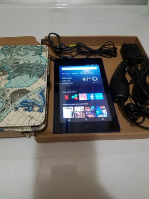 """7"""" Tablet 16gb Amazon Fire 6 wifi HD with accessories for Sale in Arlington, TX"""