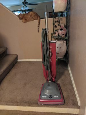 Sanitaire commercial vacuum great condition for Sale in Glendale, AZ