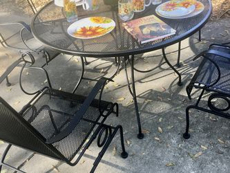 Patio Set (5 pcs) for Sale in Gainesville,  FL