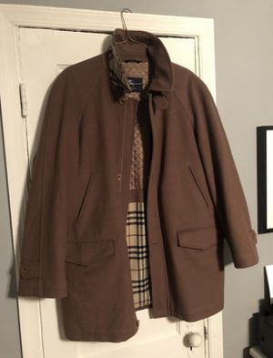 Burberry men's Wool Cashmere Tailored Coat good condition I originally paid over $800 Missing a button. Size XL I'm open to negotiations! for Sale in Washington, DC