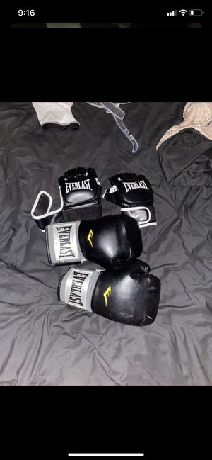 Boxing gloves for Sale in Hialeah, FL