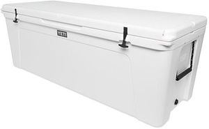 ALL YOU NEED YETI Coolers,bags,cups, and etc for Sale in Hialeah, FL