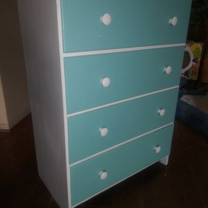 Vintage 4 Drawer Chest for Sale in City of Industry, CA