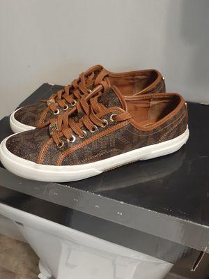 💥💢 like new, Michael Kors, women's shoe size 6m💥💢👈🏿 for Sale in Covington, KY