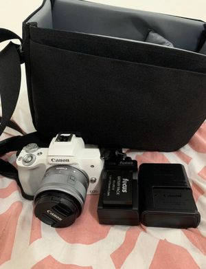 Canon m50 with kit lens (15mm-45mm) for Sale in Buffalo, NY