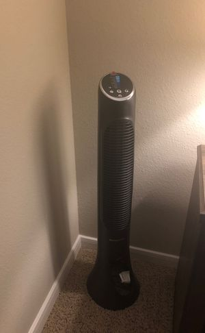 Standing oscillating fan w/ remote for Sale in The Woodlands, TX
