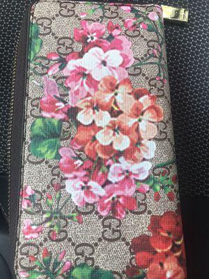 Women Gucci wallet for Sale in Dallas, TX