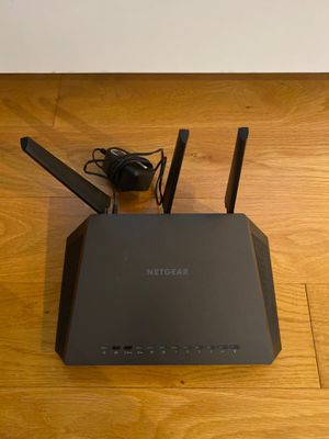 NETGEAR Nighthawk Smart WiFi Router (R7000) - AC1900 Wireless Speed (up to 1900 Mbps) Default Title for Sale in Los Angeles, CA