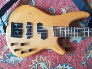 Ibanez sr400 bass guitar for Sale in Rockville, MD