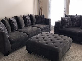 Cindy Crawford Home Charcoal Grey Sectional for Sale in Houston,  TX