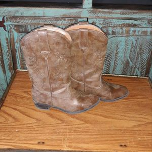 Little girls brown boots for Sale in CORP CHRISTI, TX
