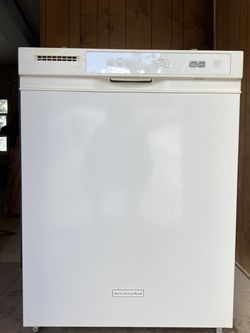 White Kitchenaid Dishwasher for Sale in Boise,  ID