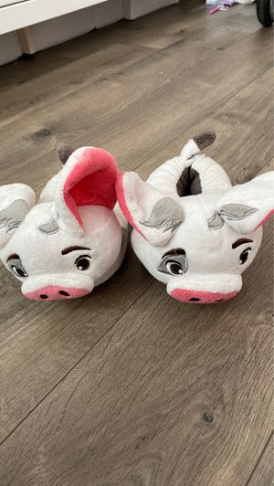 Disney Store Moana Pua slippers - Size 5/6 for Sale in Los Angeles, CA