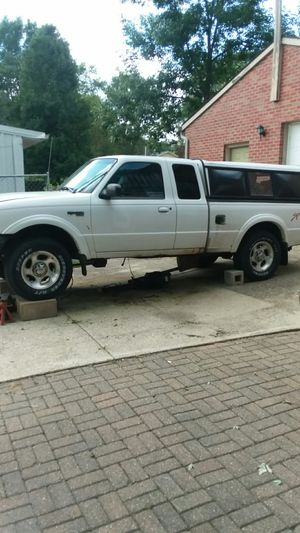 Ford ranger xlt 98 for Sale in Des Moines, IA