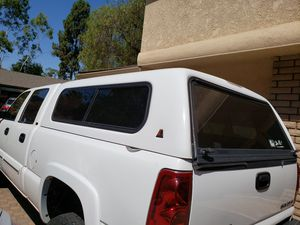 ARE Camper shell 6 1/2 foot for Sale in Tustin, CA