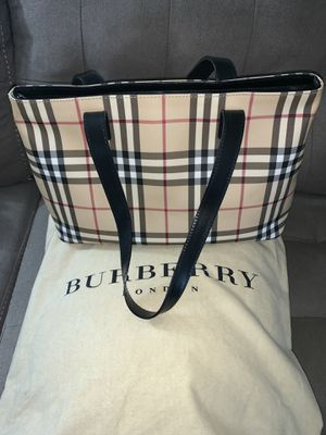 Burberry London Canvas Tote for Sale in Westlake, OH
