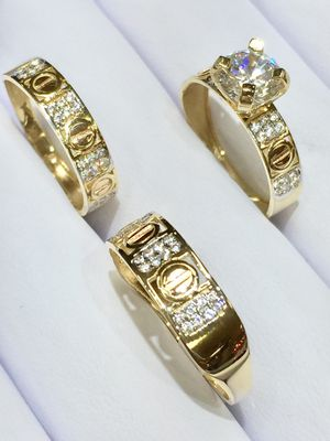 14 karat gold wedding ring made in Italy ( item#MR221) for Sale in Parlier, CA