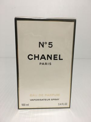 CHANEL No 5 WOMEN PERFUME 3.4 oz EDP SPRAY NEW IN SEALED BOX for Sale in Arlington, TX