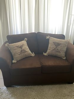 Brown Couch for Sale in Claremont,  CA