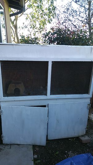 Free rabbit hutch for Sale in Lompoc, CA