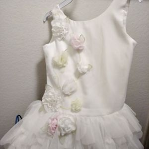 Beautiful White layered FLOWER DRESS-$10 for Sale in Glendale, AZ