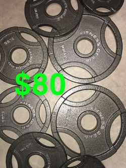 45lbs Total (2)10's (4)5's, (2)2.5 Lbs for Sale in Fresno,  CA