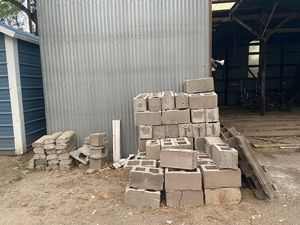 Used cinder blocks for Sale in Los Lunas, NM