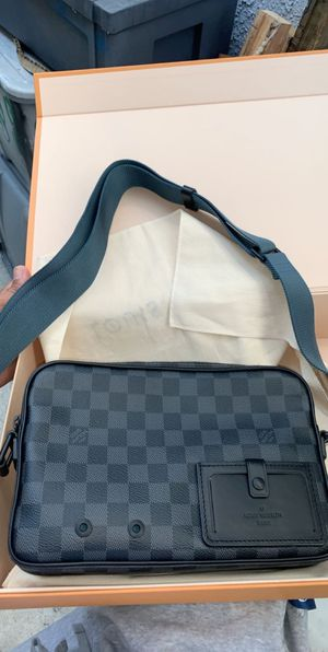 Louis Vuitton bag for Sale in Inglewood, CA