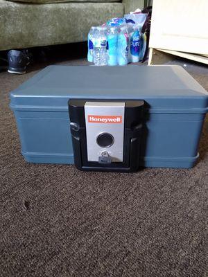 Security box/Caja de seguridad for Sale in E RNCHO DMNGZ, CA