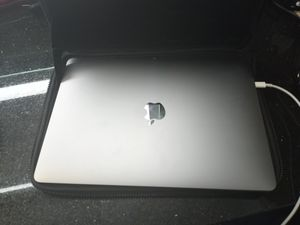 2019 Apple MacBook pro 13 in with wireless Bluetooth ihome mouse and charger for Sale in Biloxi, MS