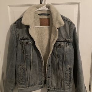 Mens Small Levi's Denim Jacket for Sale in East Hartford, CT