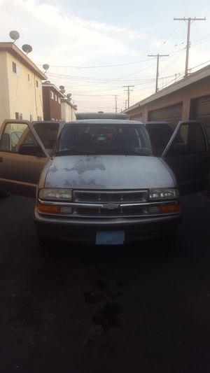 Chevy Blazer 2000 for Sale in Santa Ana, CA