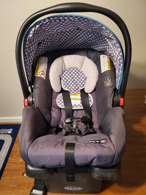 Graco snug ride car seat for Sale in Durham, NC