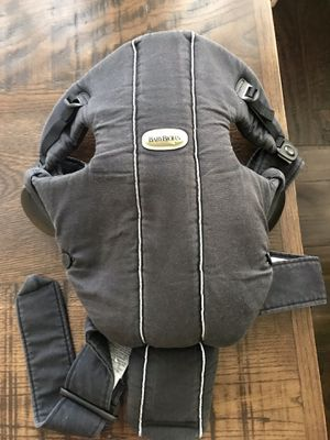 Baby Bjorn baby carrier for Sale in Tampa, FL