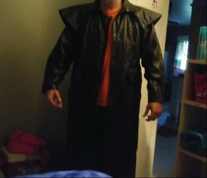 Wilson's leather duster. Size extra large for Sale in Lyons, GA
