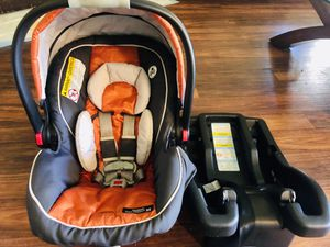 Graco infant Carseat for Sale in Seattle, WA