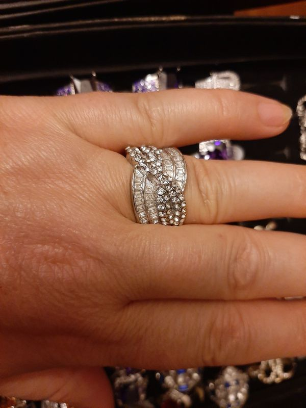 Gorgeous Silver Ring White Stones